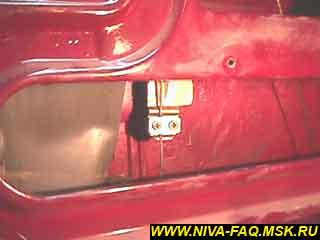 b1 07 - Уплотнитель стекла двери нива