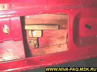b1 18 - Уплотнитель стекла двери нива