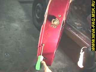 b1 21 - Уплотнитель стекла двери нива