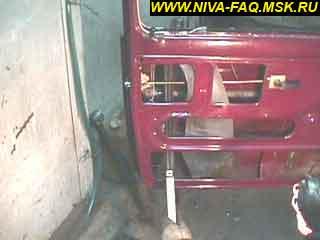 b2 07 - Уплотнитель стекла двери нива