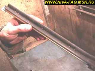 b3 03 - Уплотнитель стекла двери нива