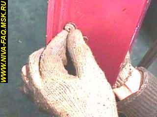 b3 13 1 - Уплотнитель стекла двери нива